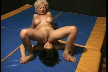Lesben orgasam Piercings dating