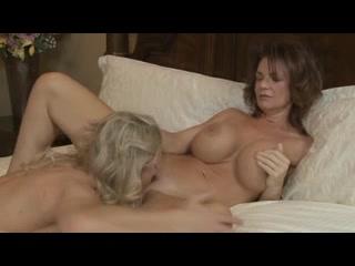 Panochas Soft core lesbian video