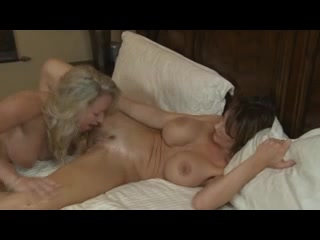Sexe POV masturbate lesbi