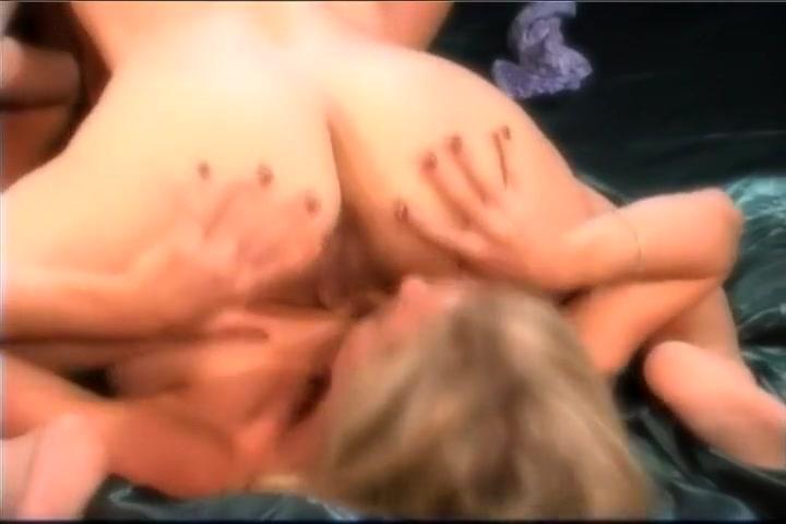 Face lesbiian fucked naked