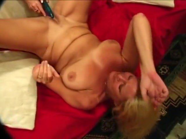 Porns orgasm gallery Lesbios