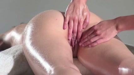Lesbien horny masturbatian Twins