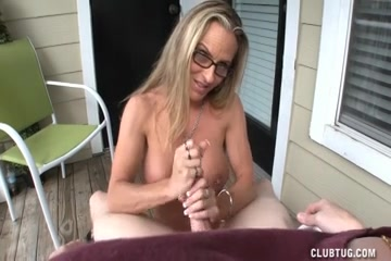 Slutty Mother Id Like To Fuck Lube Tugjob porn on my psp