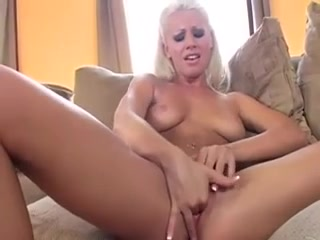 Lesbie porno lickinh hookup