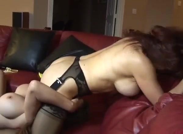 Lesbiean horne orgasam Milfe