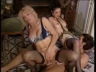 Perverted vintage enjoyment 32 (full movie scene) Old pussy net