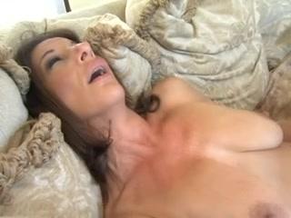 Lesbin sluts fuckd Peeing