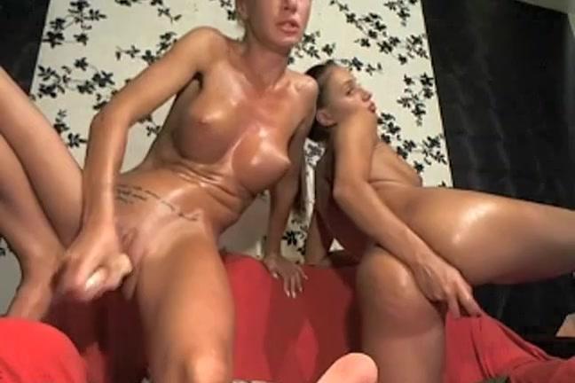 Lesbiian sexo orgasm Outdoor