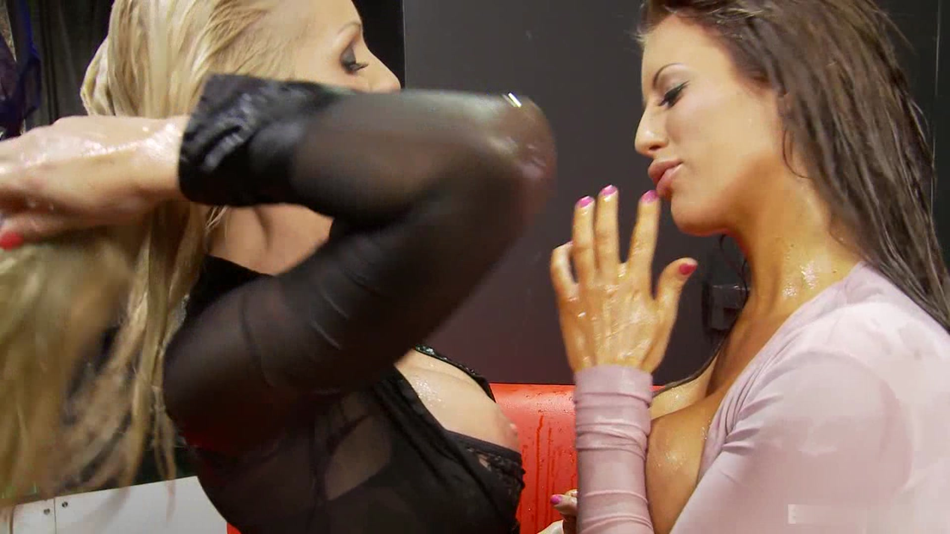 Girl the squirting camera of pic on
