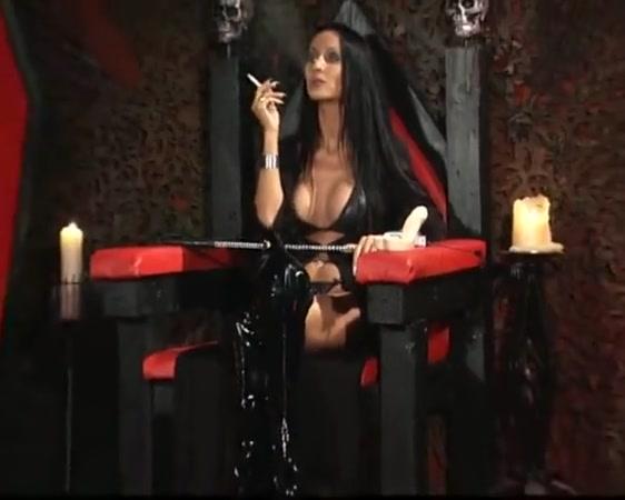 Vampire godess Maisie williams leaked nude photos