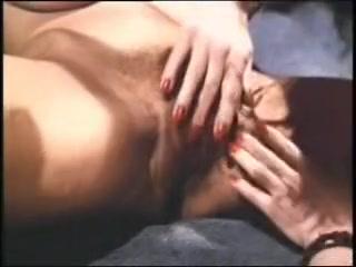 Clip Lesbo sexs masturbatian