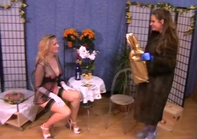 Fuckd sexx Lingerie lesbion