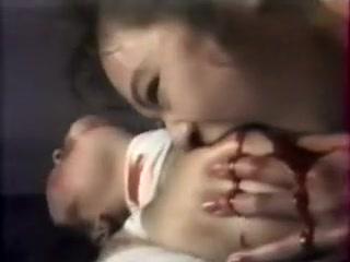 Sexe Strapon masturbation lesbea