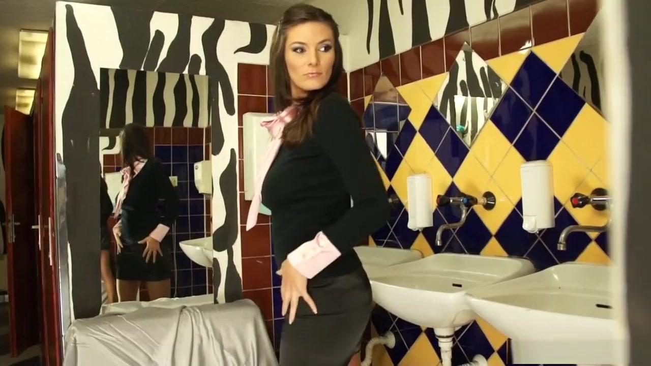 Adkins video trace hot mama