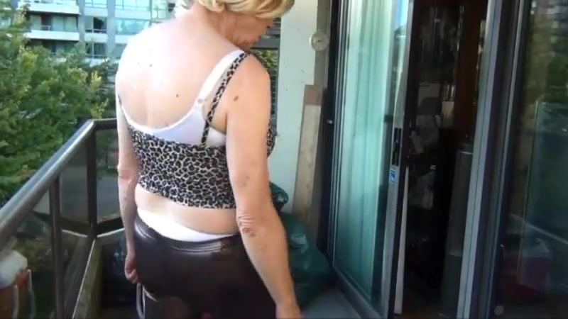 Naughty gigi - loves being watched Japan Softcore Massage