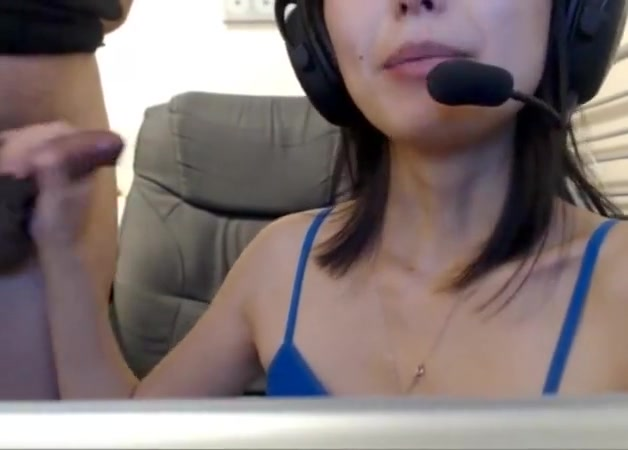 Gamer girl 1 Extreme deepthroat cum