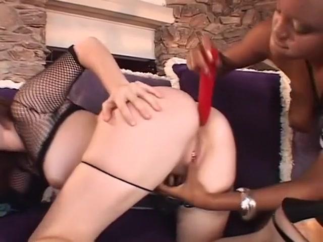 Cosplay girls fucks sexy