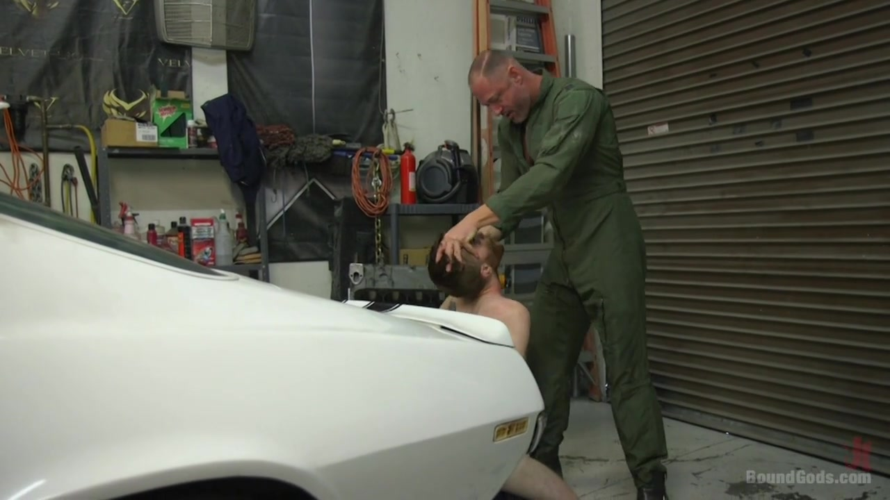 Seamus O Reilly & D. Arclyte in The Mechanic - BoundGods Scouse slut video
