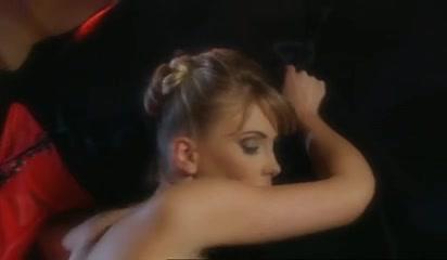 Xxx Spanking orgasm lesbiian
