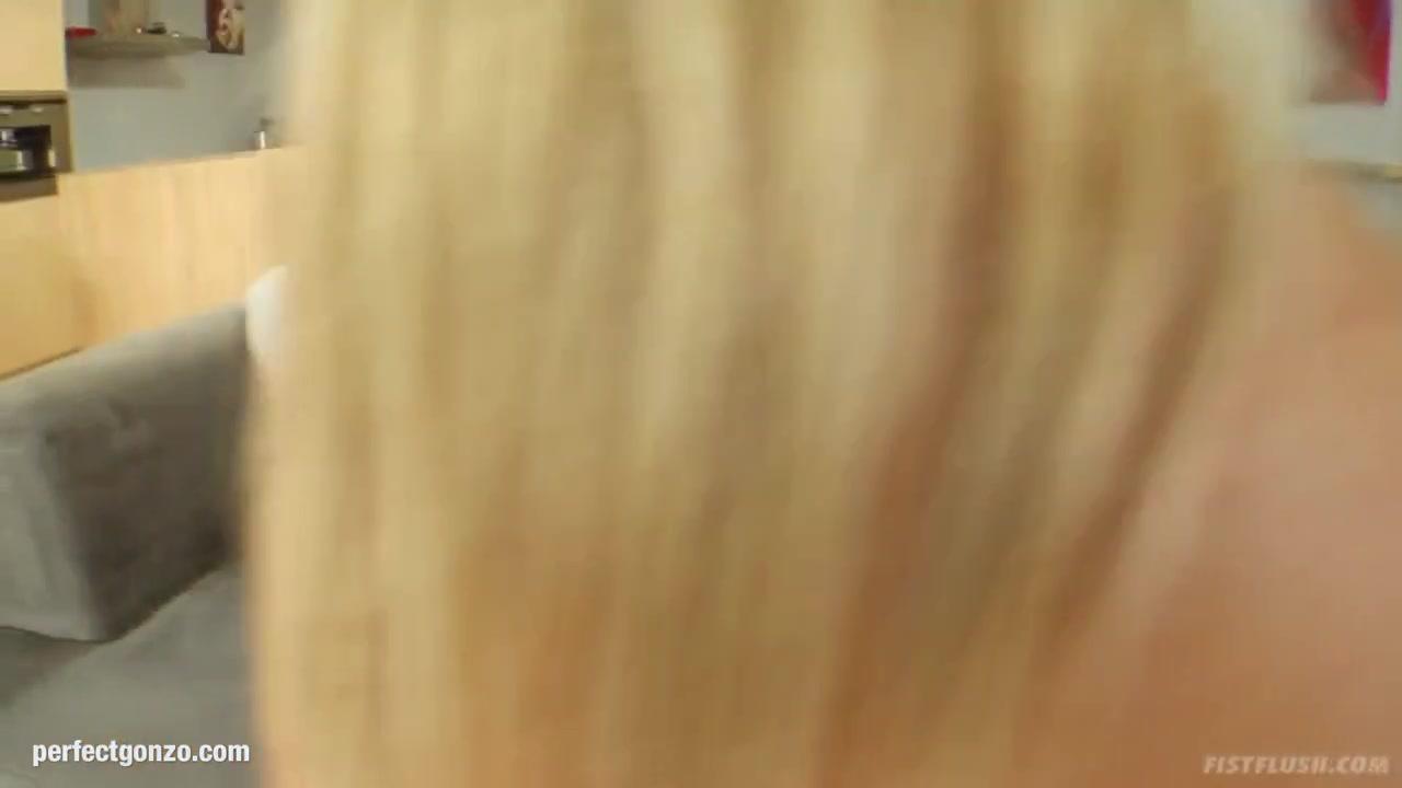 Mature fake milf cougar beach gilf porn