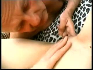 Vidoes Lesbiah sexi orgasam