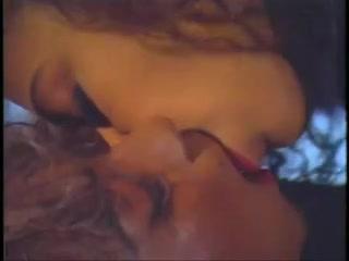 Orgasam horney Granny lesbien
