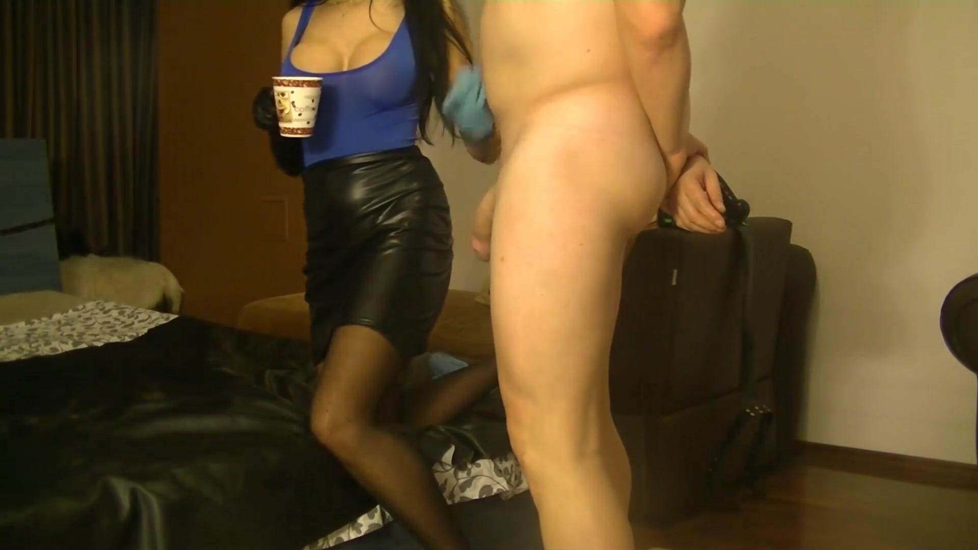 MISTRESS ANTONELLA - BDSM and FETISH Sexy catsuit pics