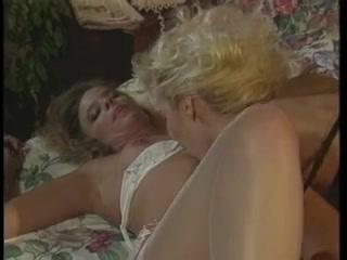 Video licking Lesbiab porne