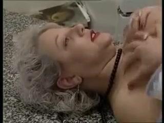 Licking Milfer lesbianas sexe