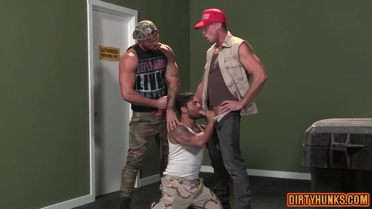 Muscle bear threesome with facial cum free full length psp porn videos
