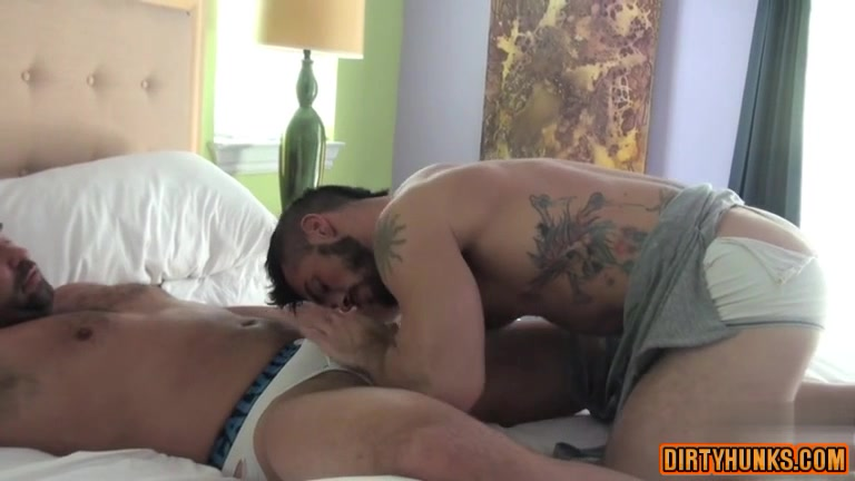 Muscle gay oral sex with cumshot manicurist with big tits gets fucked