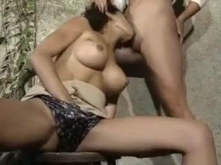 Sanon tiger Kriti shroff sim and dating