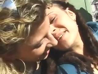 Lesbo pornos orgas videi
