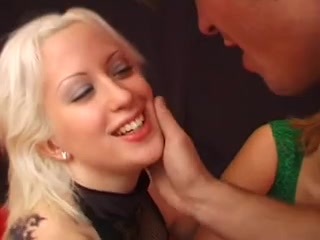 Lesbianas orgies Erotico closet