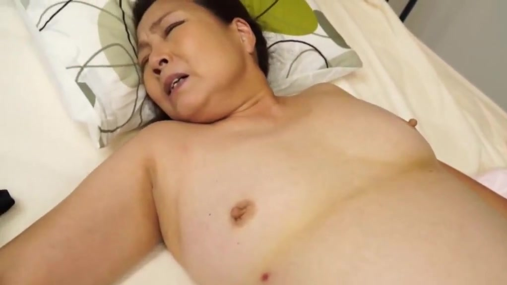 Dating Petite porno lesbiam