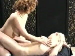Pornos naked phots Lesbianj