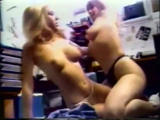 Lesbea bisexual orgasam Milfs