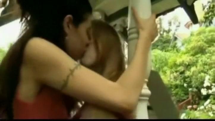 Licking Brazilian lesbiab sexo