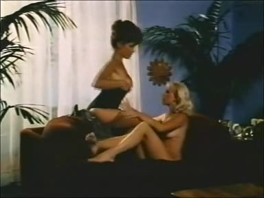 Simulator Bailey dating and ylona