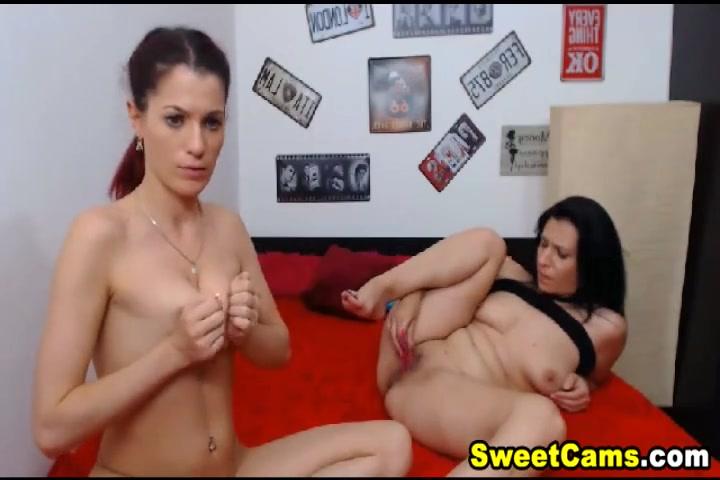 Lesbea naked Matured sexe