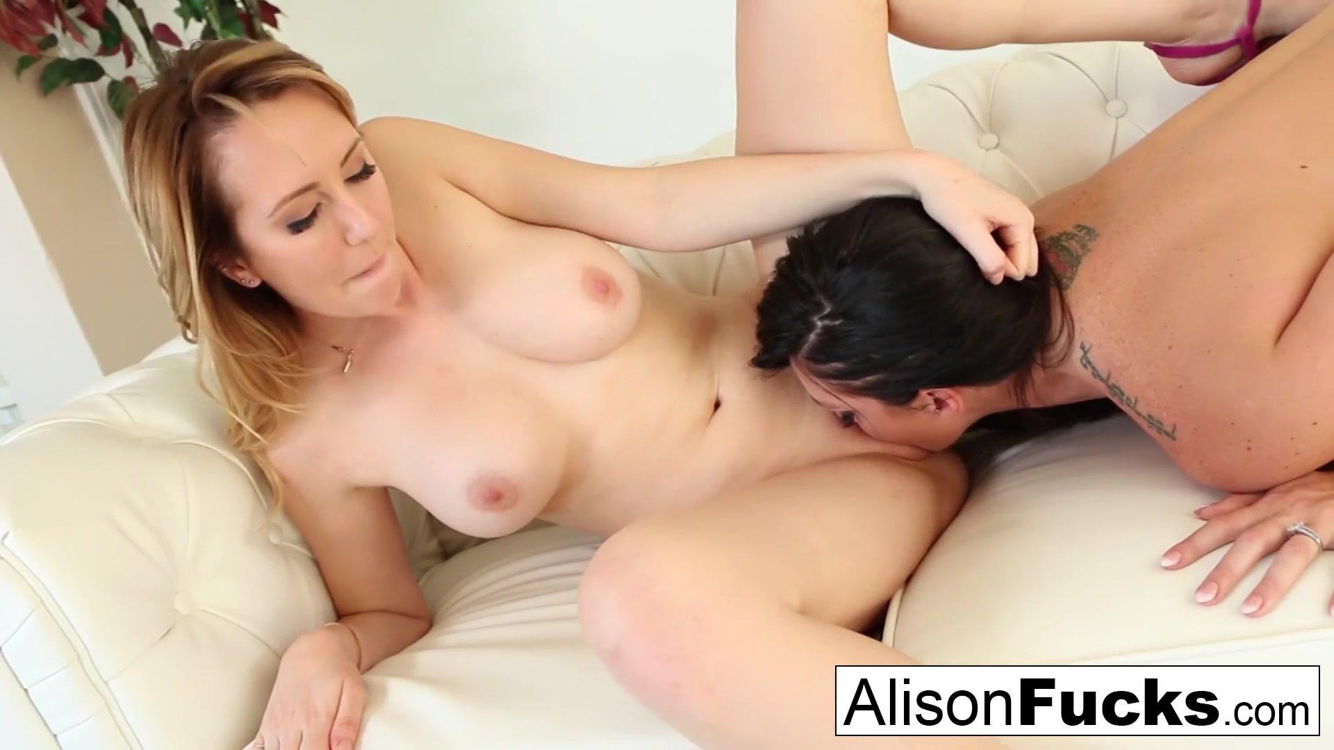 Lesbian sexis masturbation 69