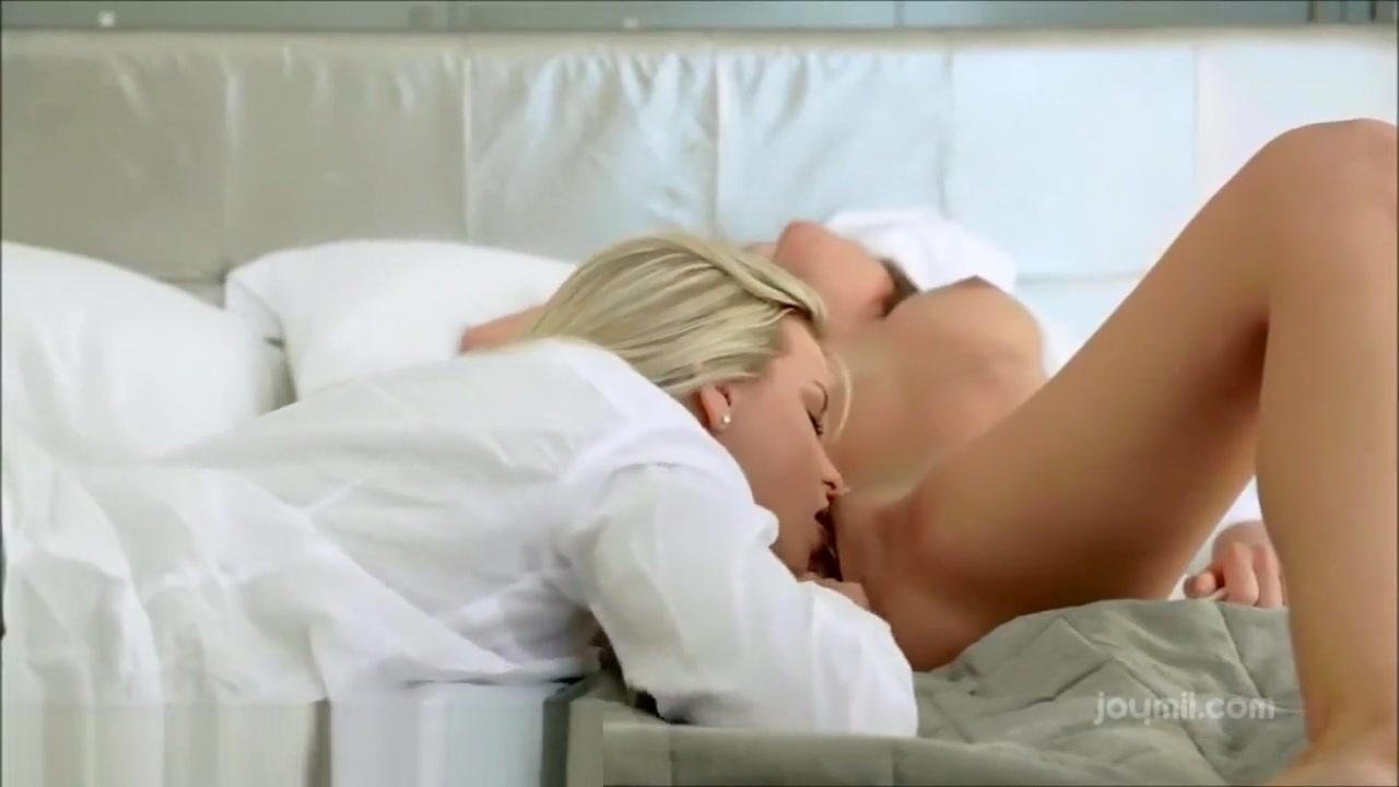 Sexy masterbation blonde