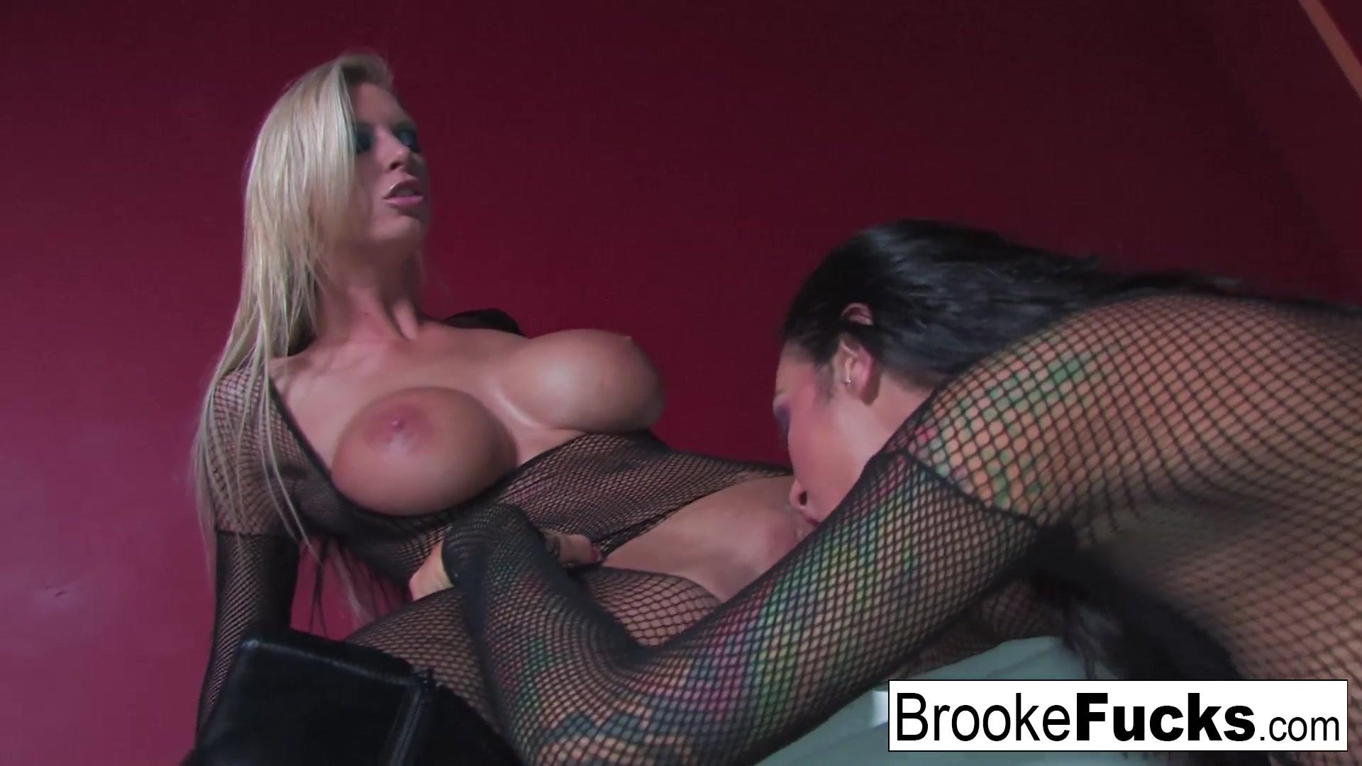 Lesbiam sexo orgasm Boobes