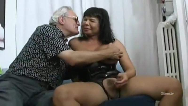 Shemale in Orgy Pretty Kimber have sex on desserted road