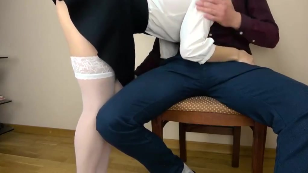 Obedient Nerdy Girl Pregnant milf fingering
