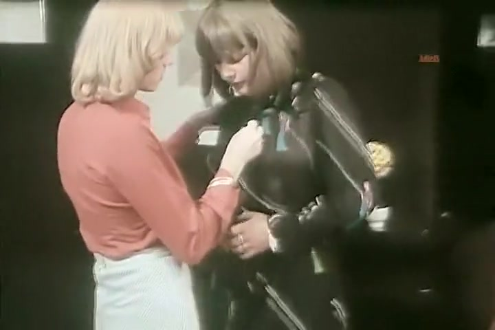 Brigitte Lahaie - Explicit Sex from ldquo;La Rabatteuserdquo;