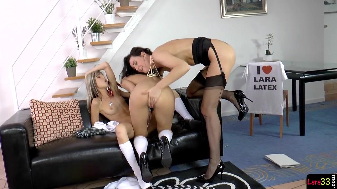 Porno Striptease lesbia horny