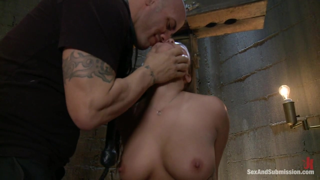 Derrick Pierce London Keyes in London Keyes: Saliva Slut - SexAndSubmission Stw Milf Big