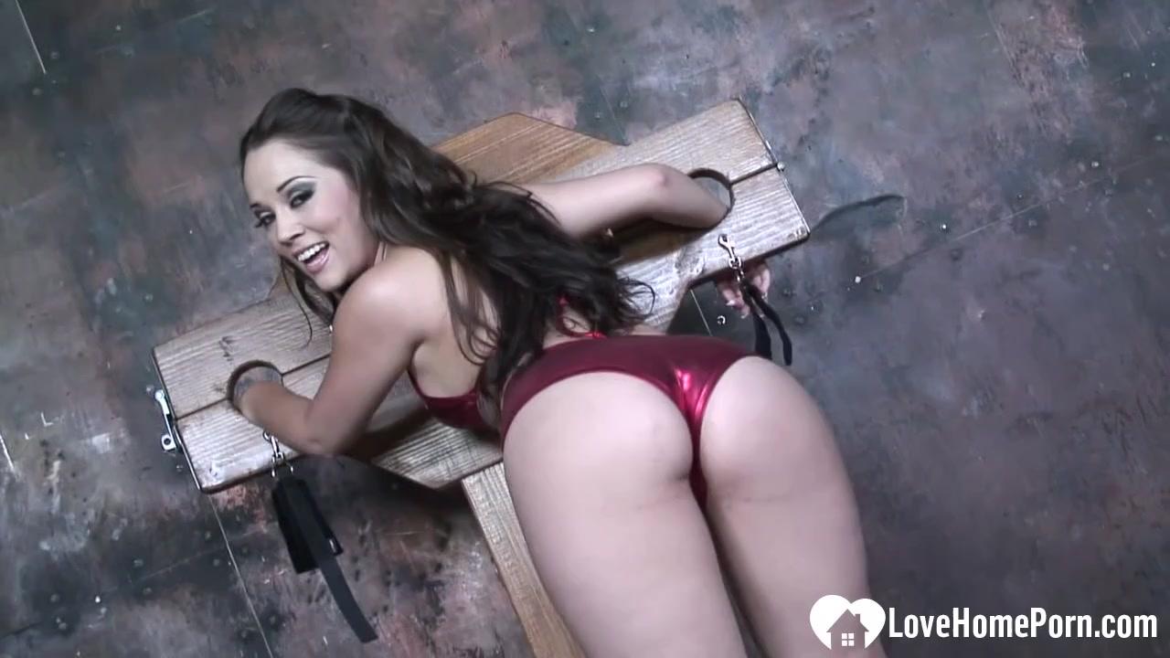 Hot babe enjoys munching on a cock nude men photos duos