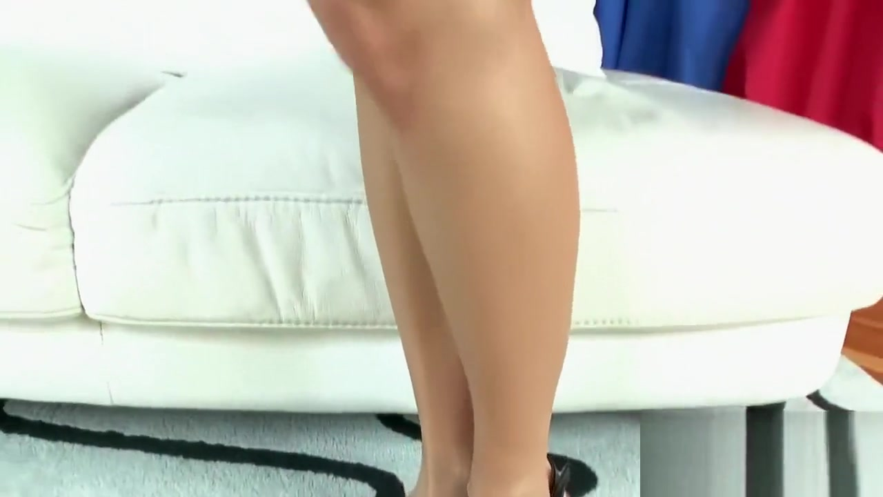 Seductive blonde bombshell receives an anal pounding Blonde secretary big tits
